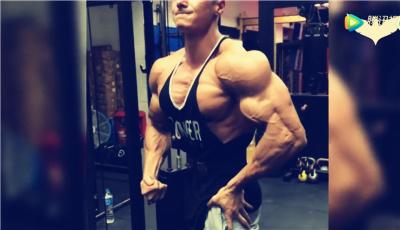 男人怎么练胸肌_健美视频_肌肉网