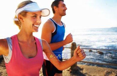 caucasian_couple_running