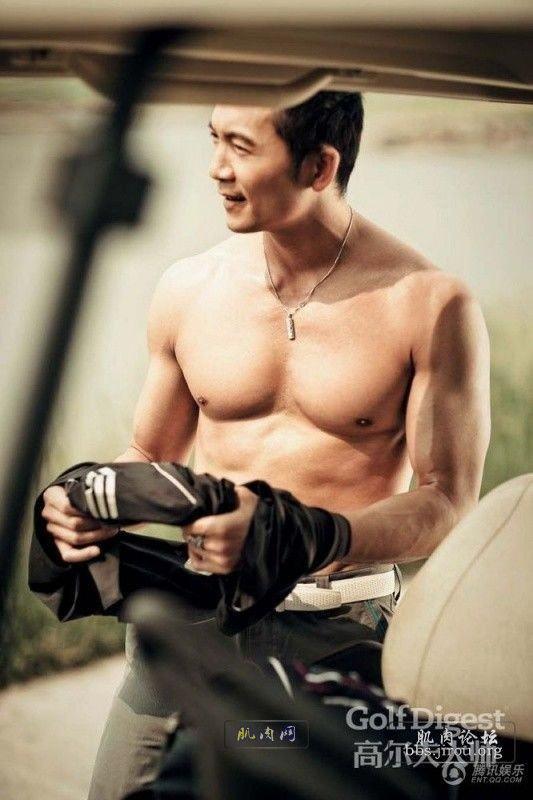 肌肉男_邹兆龙晒最新健身肌肉照_肌肉网