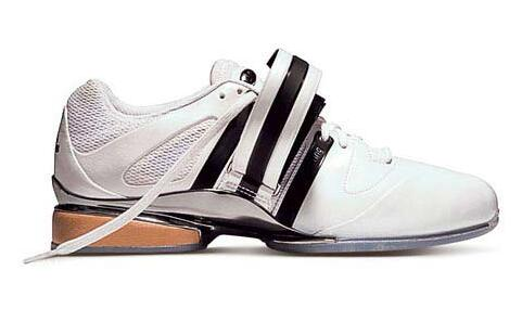 深蹲穿什么鞋?深蹲硬拉穿什么鞋比较好?