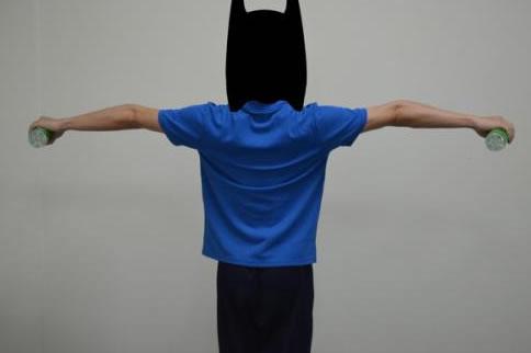 三角肌徒手锻炼方法都有哪些 增肌健身