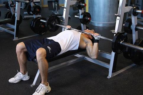 什么运动可以锻炼胸肌 健身小白必须了解 增肌健身