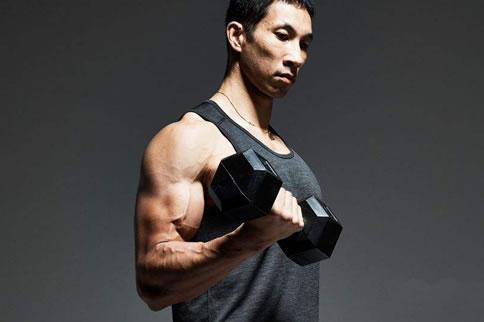 肱二头肌徒手锻炼方法有哪些 增肌健身