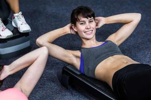 女人在家如何训练腰部力量训练
