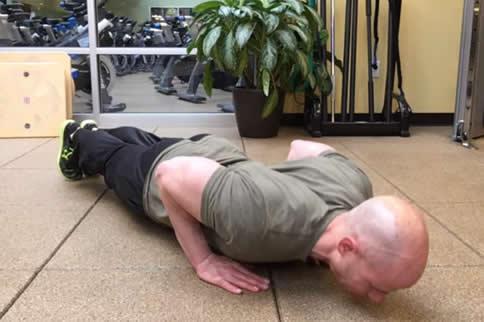 俯卧撑可以锻炼臂力吗